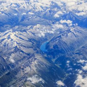 Jezero někde v Alpách