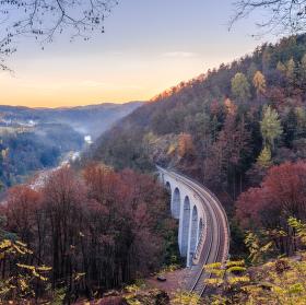 Žampašský Viadukt a Sázava