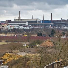 pohled ze ZOO Plzen na část areálu Škoda