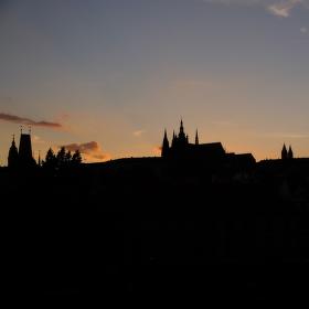 silueta hradu