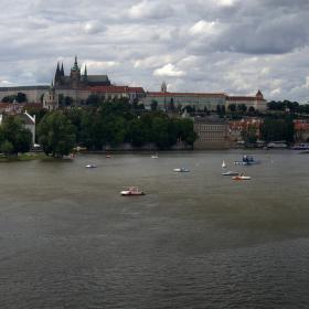 Léto u Karlova mostu - panorama