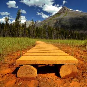Po chodníku k horám