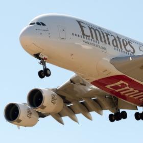 A380 na pravidelném příletu do Prahy