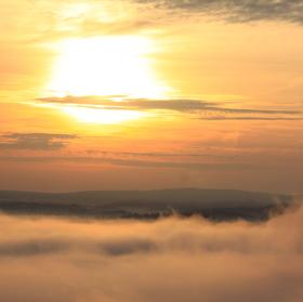 neposedná mlha