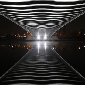 Procházka pod Trojským mostem