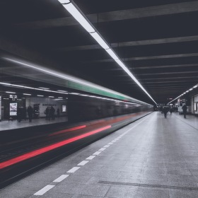 Dlouhá z metra