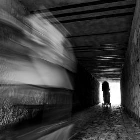 Frmol v tunelu