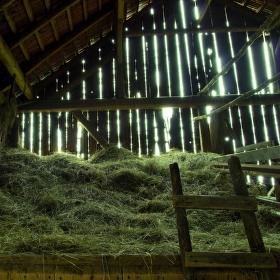 Ve staré stodole