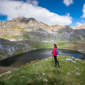 """Lady in Red"" jezero Manito"