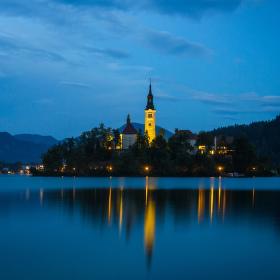 Modrá hodinka v Bledu