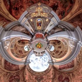 Venkovní kaple.