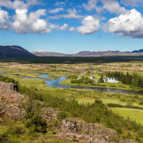Thingvellir - tam, kde se zem propadá