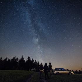 Zkus vyfotit hvězdy říkali