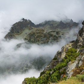 Mlhavé hory
