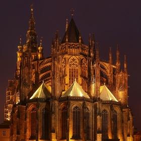 Stmívání nad svatovítskou katedrálou