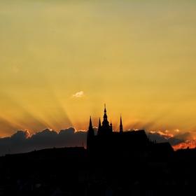 Praha z mostu Karlova