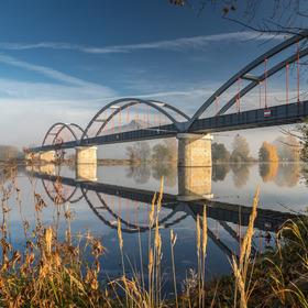 Most přes řeku Labe