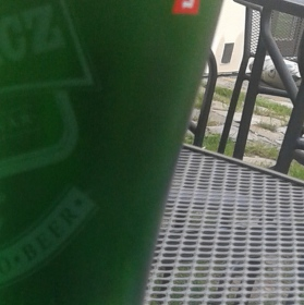 Zelené - nikoli(v) modré pivo..