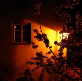 Okno a tma