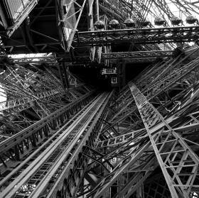 Uvnitř Eiffelovky