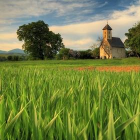 Kostolík v Pomínovci