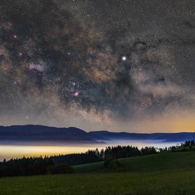 Mlhoviny nebeské a pozemské