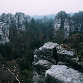 Mlhavé ráno na Janovo vyhlídce, Český ráj