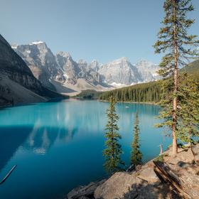 Moraine Lake, národní park Banff, Kanada