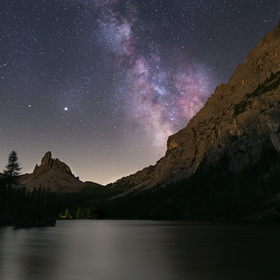Noční obloha nad Lago Fedéra