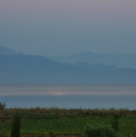 Mesiac nad Egejským morom
