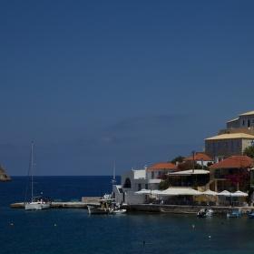 Assos, malý přístav v Kefalonii
