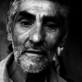 Slza v oku bezdomovce