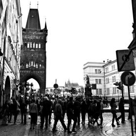 PRAHA MATKA MĚST A NÁLAD:volnost po 25 letech svobody