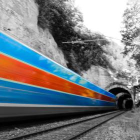 vlakem....