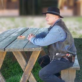 Tenkrát na Západě - Karetní hráč