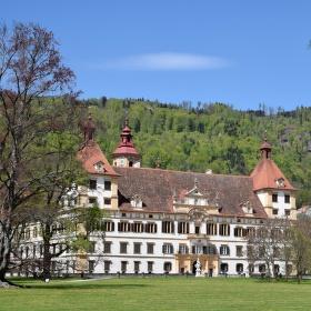 Pravé poledne na Eggenbergu, Graz