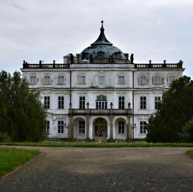 Ploskovický zámek