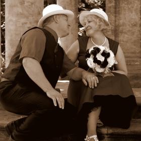 """""""Milovat znamená stárnout ruku v ruce."""" – Louis Aragon"""