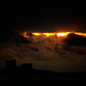 Mořská pevnost při západu slunce