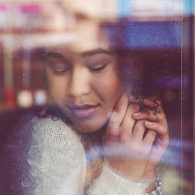 Plná něhy - krásná Ester