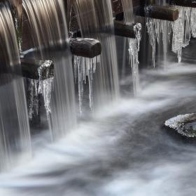 Vodní náhon k mlýnu.