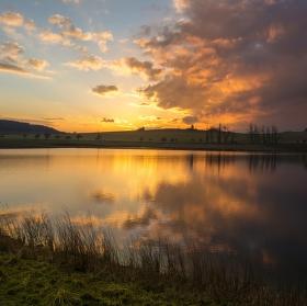 Západ u rybníka...