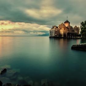 Deštivý večer na Ženevském jezeře