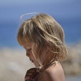 Dítě ve větru