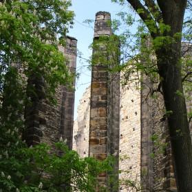 Nedokončený kostel Panny Marie v Panenském Týnci