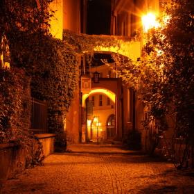 V nočních uličkách