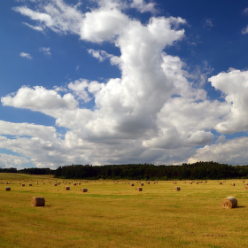 mraky nad polem :-)