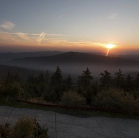 Východ slunce na Lysé hoře