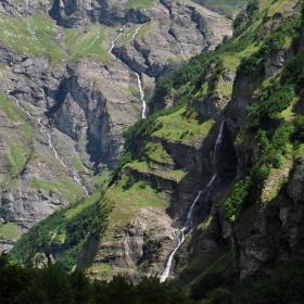 horské vodopády