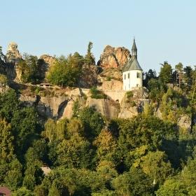 Zřícenina skalního hradu Vranov.